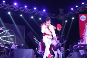 Manav Rachna's Resurrection 2K16 rocked as Singer Palash Sen and his Hind Rock Band Euphoria gave the Fest a whole new dimension with rhythmic songs and catchy numbers