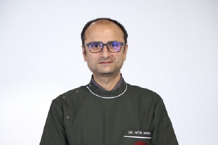 Dr Nitin Arora