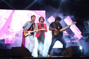 Manav Rachna Fest Resurrection 2K16 reached its grand culmination as Bollywood Nite with Singers Benny Dayal and Hindi Band Astitva left the audience in raptures