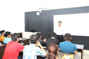 Guest Lecture by Mr. Sandeep Marwah, Regional Business Head- North & East Metro Cash and Carry, Gurgaon