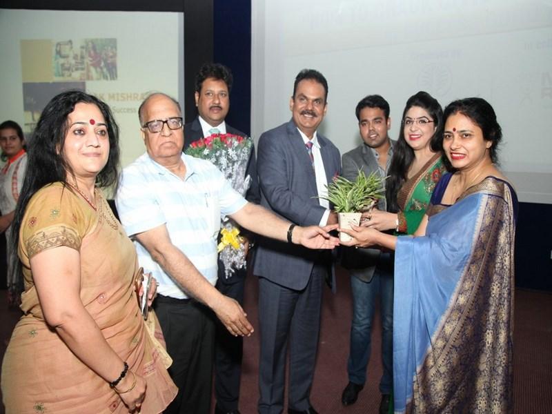 Ms Abhilasha Sharma conducted a Free Seminar on 'How to Crack Civil Services Examination' at Manav Rachna