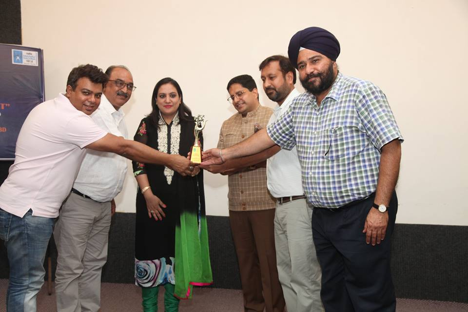 Radio Manav Rachna 107.8 celebrates its 8th Foundation Day with enthusiasm, launches Swachh Faridabad Swachh Bharat