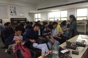 Students get lessons on PPT, get acquainted with electronic tools during Bridge Programme (4)