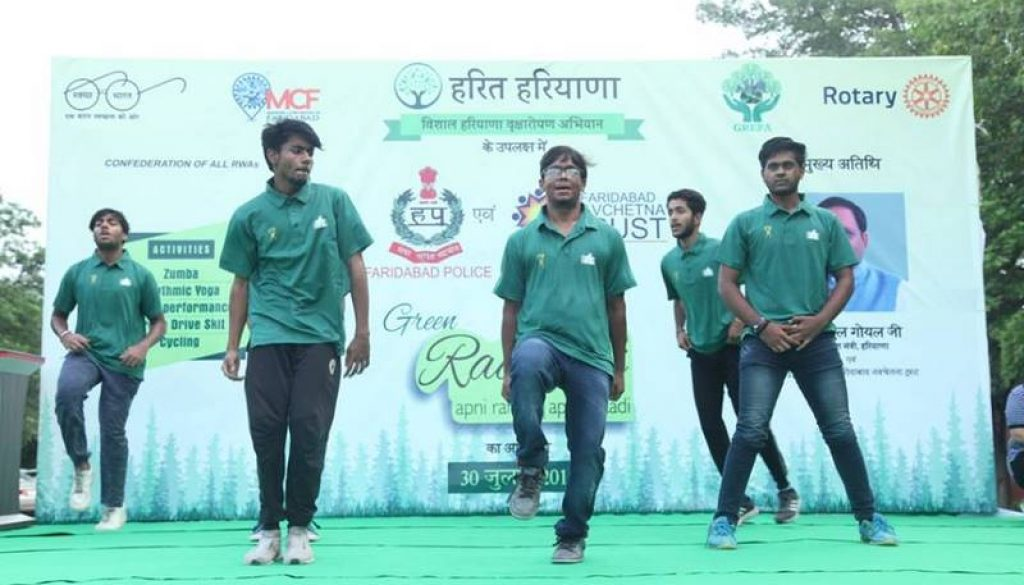 Students of Manav Rachna International University enthralled the audience with their spectacular dance performance at the Green Raahgiri! HaritHaryana (1)