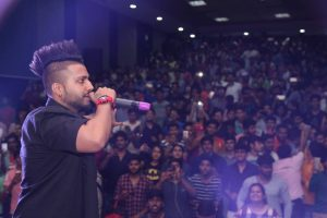 OPPO Delhi Times FreshFace Organized at Manav Rachna with Sukh-E performing LIVE at the Campus!