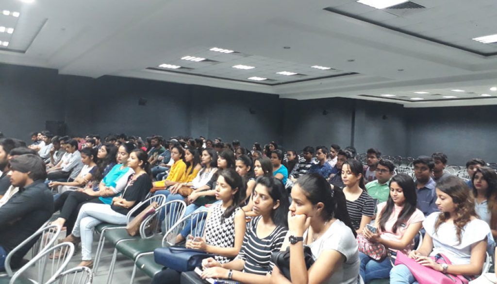 FCBS, MRIU conducted an Alumni lecture on 'Leadership' (2)