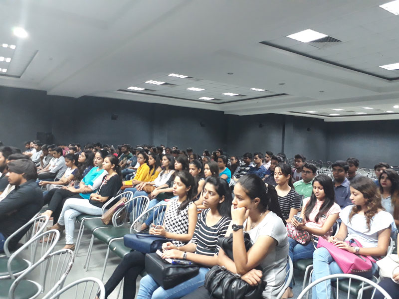 FCBS, MRIU conducted an Alumni lecture on 'Leadership'