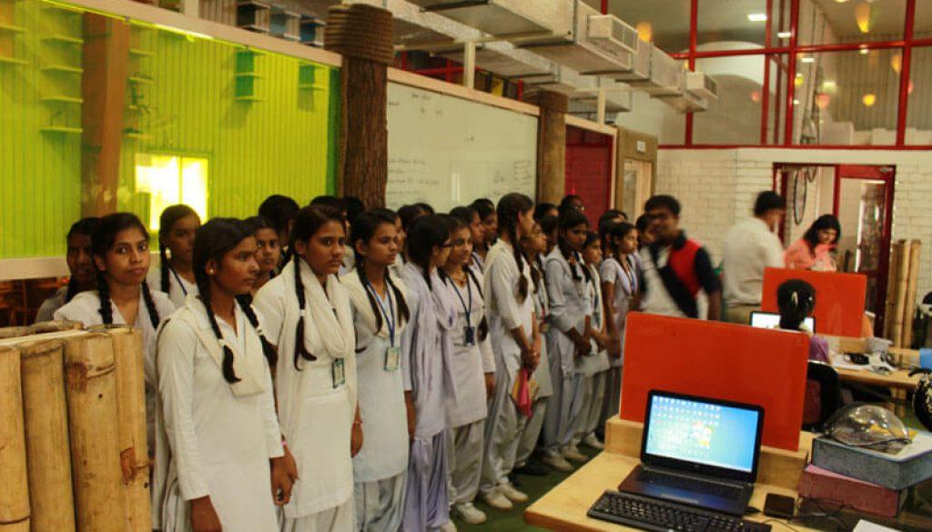 Government School Students visit in MREI Campus (4)