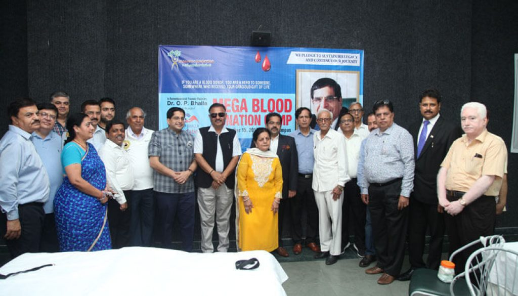 Manav Rachna family participates whole-heartedly in the Mega Blood Donation Camp & Thalassemia screening drive organized in the memory of Dr. O P Bhalla (1)