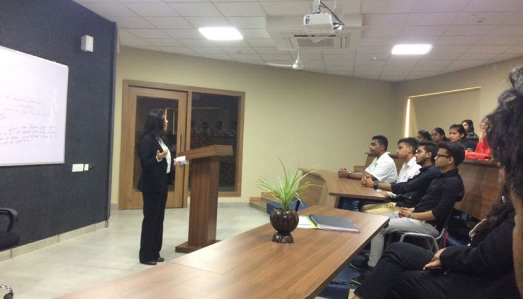 Ms. Alka Shree, an Advocate from Hon'ble High Court of Delhi, visited the Faculty of Law (1)
