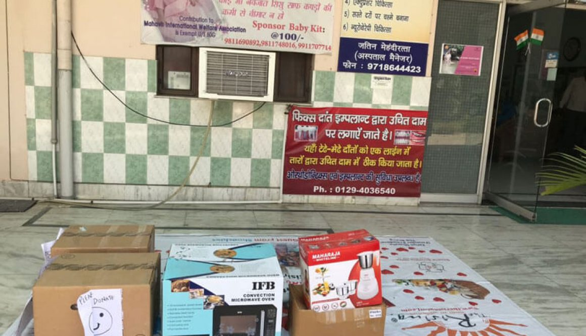 Donation of Books in Goonj Camp: Dil Ki Suno Kuch Karo