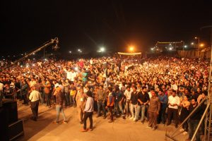 More than 25K students croon on the beats of 'Farhan Live' at Manav Rachna