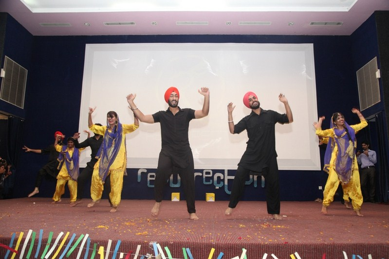 Resounding start of 'Resurrection 2K 17' – Manav Rachna's three-day Annual Fest
