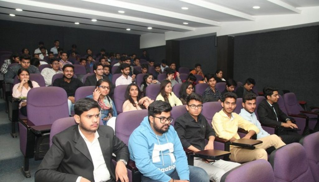 The Law week continues on Day 2 at the Manav Rachna University! (2)
