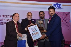 "Prof. (Dr.) Sanjay Srivastava, MD, MREI bestowed with ""Excellence Award for Academic Leadership"""