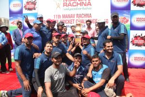 Mohammad Kaif & Reetinder Singh Sodhi grace the finals of the 11th Manav Rachna Corporate Cricket Challenge Cup