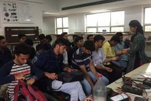 Students get lessons on PPT