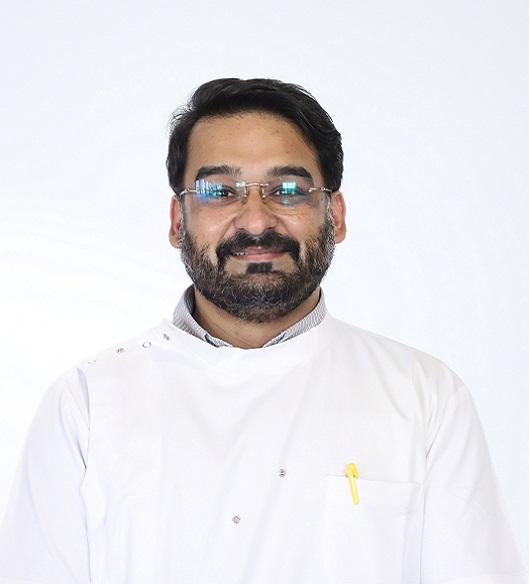 Dr Nipun