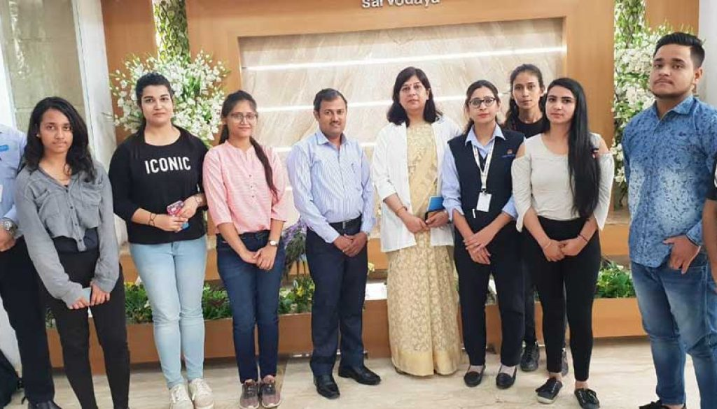 BBA-Students-visited-Sarvodaya-Hospital