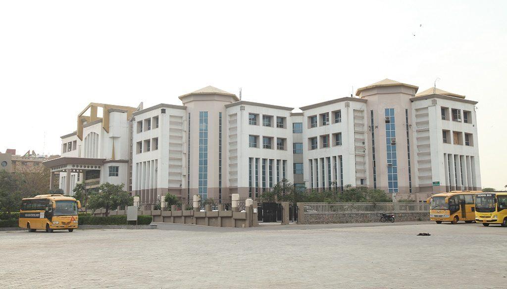 Manav Rachna Dental College 2