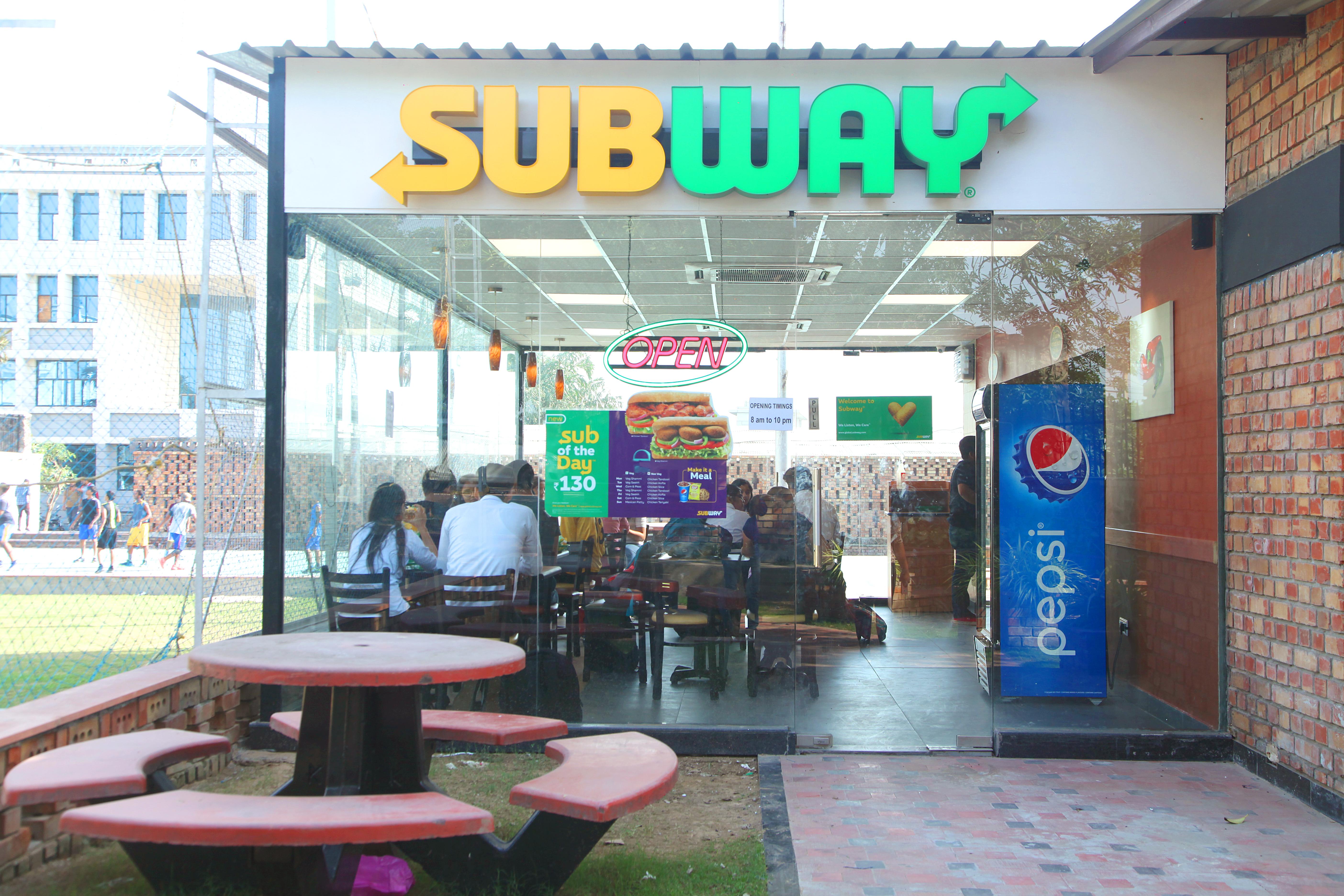 <center>Subway: Outlet of World's largest Fast Food Chain