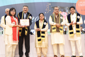 Manav Rachna applauds its future leaders in a grand Convocation Ceremony