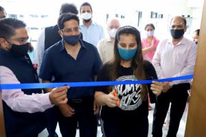 L to R (Dr Amit Bhalla, Dr Prashant Bhalla, Ms Sanya Bhalla, Dr Naresh Grover)