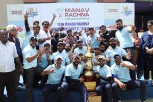 Team Manav Rachna lifts the Champions Trophy