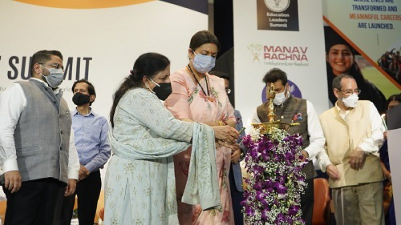 <center>Hon'ble Union Minister, Ministry of Women and Child Development, Government of India